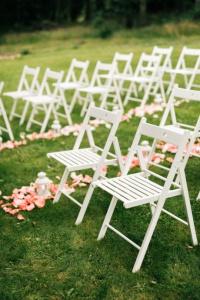 židle bílá dřevěná