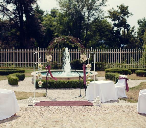 svatební obřad zámecká zahrada