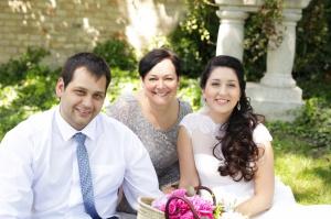 tastní novomanželé a Veronika